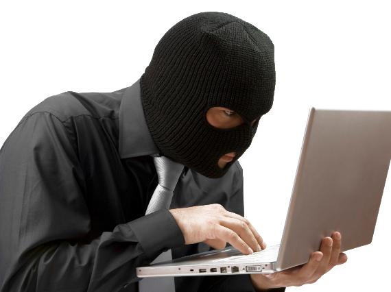 Internetes bűncselekmények